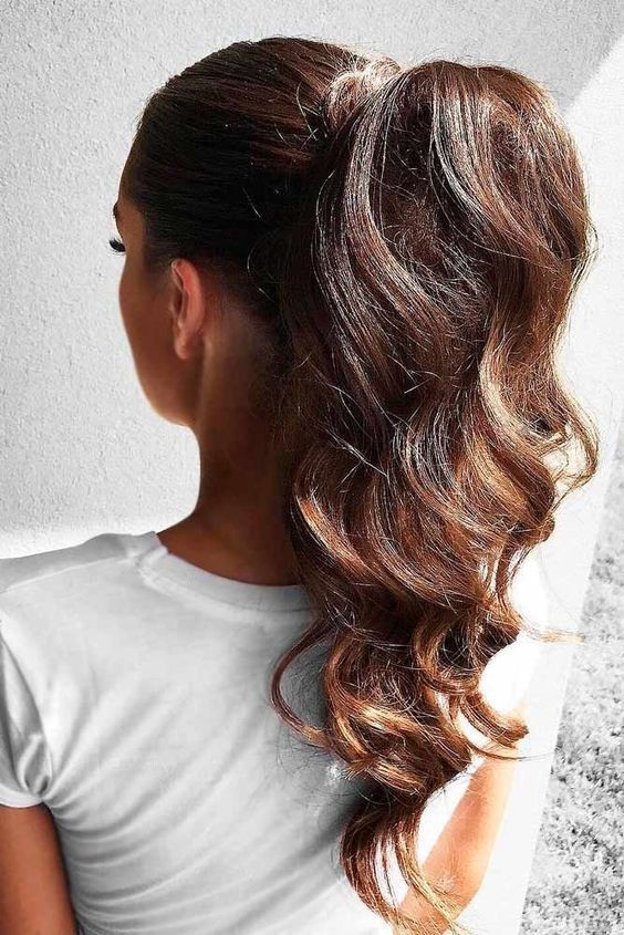Try a High Pony Tail - Easy Summer Hairstyles for the Beach and Beyond - Livingly