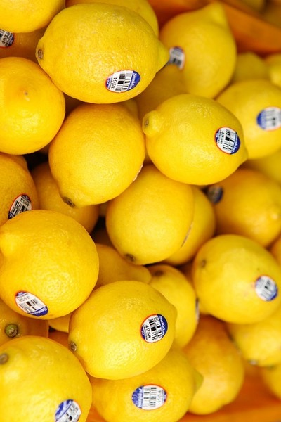 Putting Lemon On Your Face