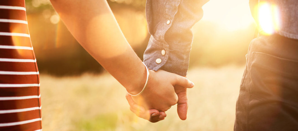 Holding Hands Relationship Healthy