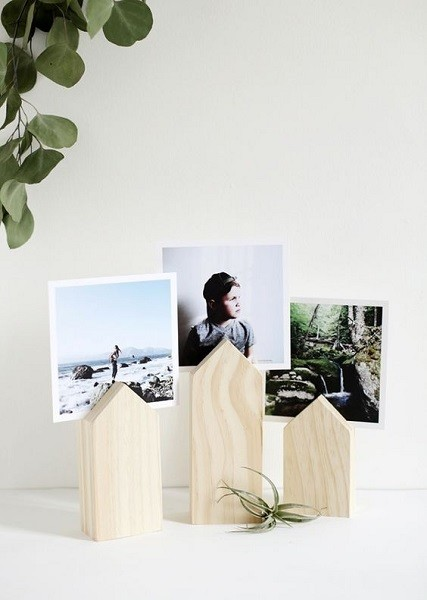 DIY House Photo Display