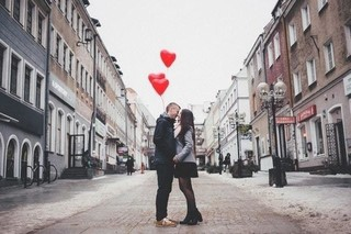 Create Your Perfect Date Night And We'll Tell You Where You Should Actually Live