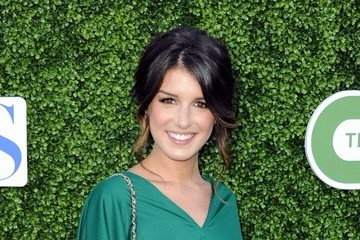 Great Hair Day: Shenae Grimes' Fabulously Messy Updo