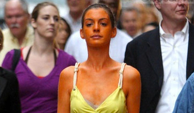 22 Stages Every Girl Goes Through With A Fake Tan