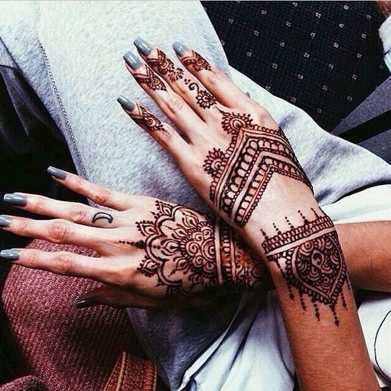 patterned perch the prettiest henna tattoos on pinterest livingly. Black Bedroom Furniture Sets. Home Design Ideas