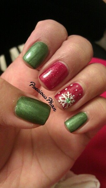 Red and Green Snowflake Manicure