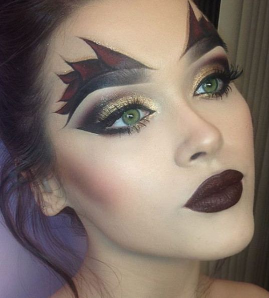 She Devil Hauntingly Gorgeous Halloween Makeup Ideas Livingly