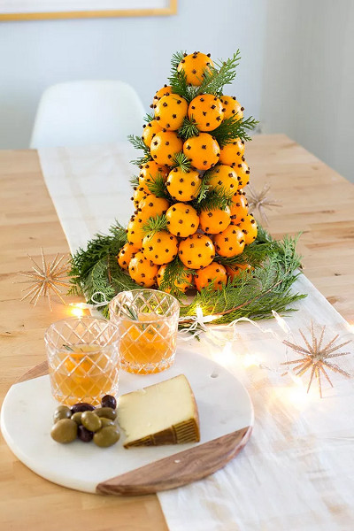 DIY Orange And Clove Christmas Tree