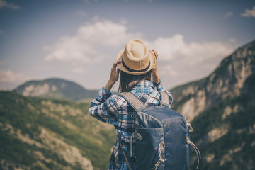 7 Amazing Things You'll Learn About Yourself When Backpacking Alone