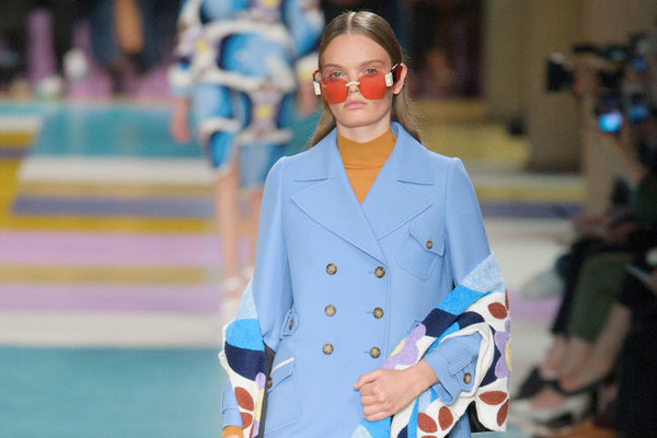 The Most Daring Coats and Jackets at Paris Fashion Week S'17
