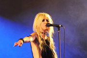 Taylor Momsen performs with her band