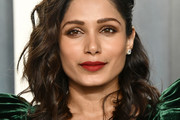 Freida Pinto Medium Curls