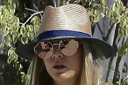 Kaley Cuoco Straw Hat