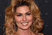 Shania Twain Medium Curls